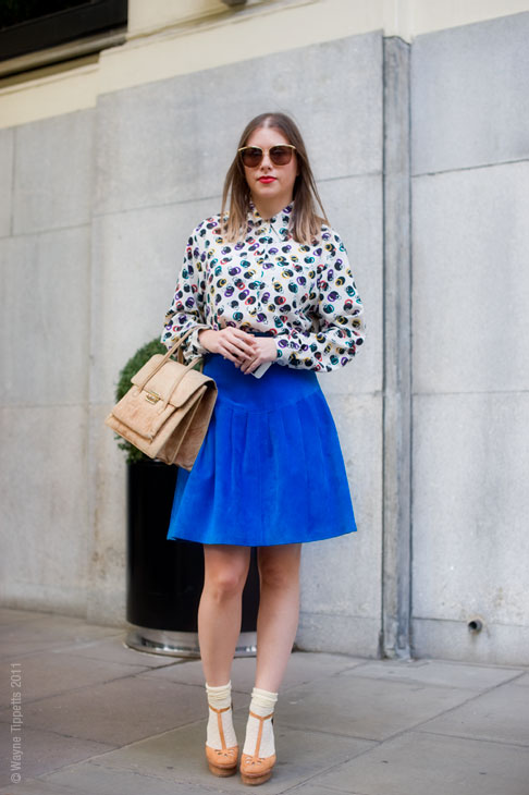 London Street Style - pleated skirt