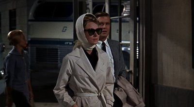 Audrey Hepburn, Trench Coat