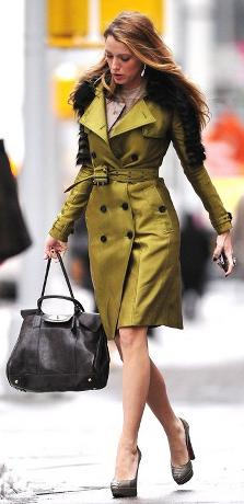 Blake Lively in Burberry Green Trench Coat