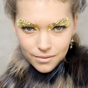 2012 Fashion Weeks Beauty Looks. Make up Trend – Glitter On TheFace