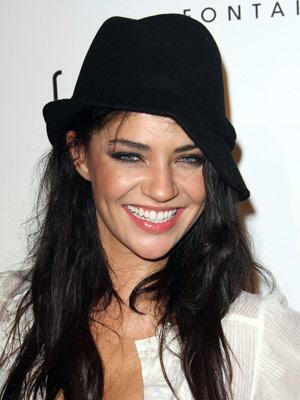 Jessica Szohr - Hat