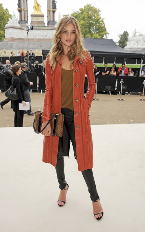 Rosie Huntington-Whiteley in Burberry Trench Coat