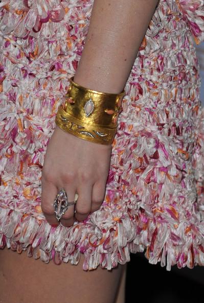 Gossip Girl - Leighton Meester gold bracelet