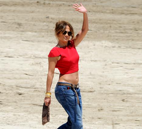 Jennifer Lopez - Bare Midriff