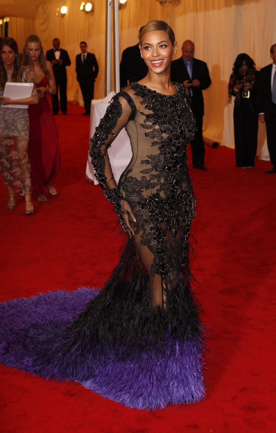 2012 met gala red carpet best worst dresses the fashion tag blog. Black Bedroom Furniture Sets. Home Design Ideas