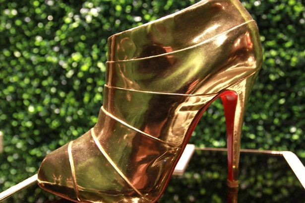 Christian louboutin opening hours - Besson chaussures cholet ...