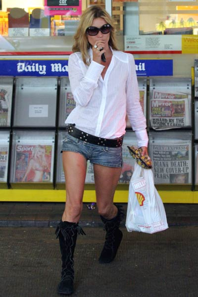Kate Moss Style Icon - denim shorts