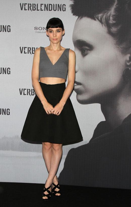 Rooney Mara - bare midriff