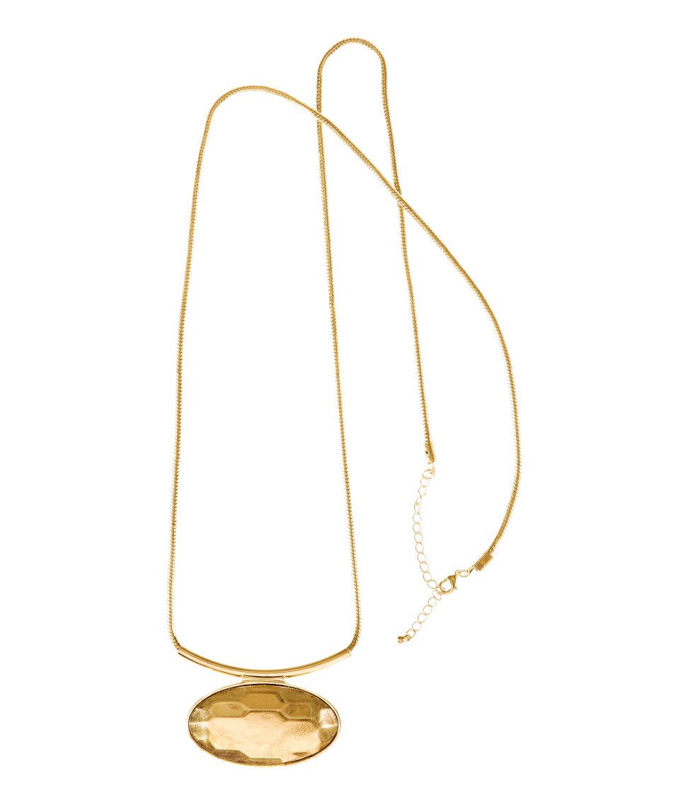 H&M golden necklace £6.99; image courtesy of H&M UK