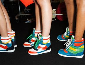 The Sneakers. A '90s Inspired Fashion Trend