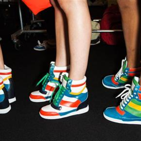 The Sneakers. A '90s Inspired FashionTrend