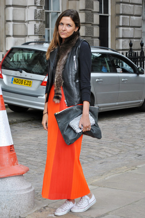 London Street Style - sneakers and skirt