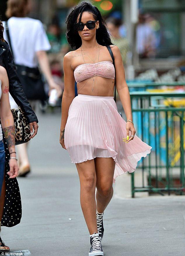 2012 Pleated Skirt - Rihanna