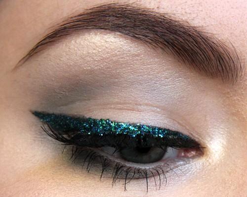 glitter eyeliner