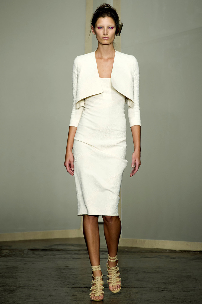 Donna Karan 2013 Spring Collection - New York Fashion Week