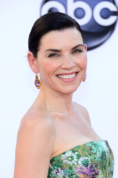 Julianna Margulies makeup & hair - 2012 Emmy Awards