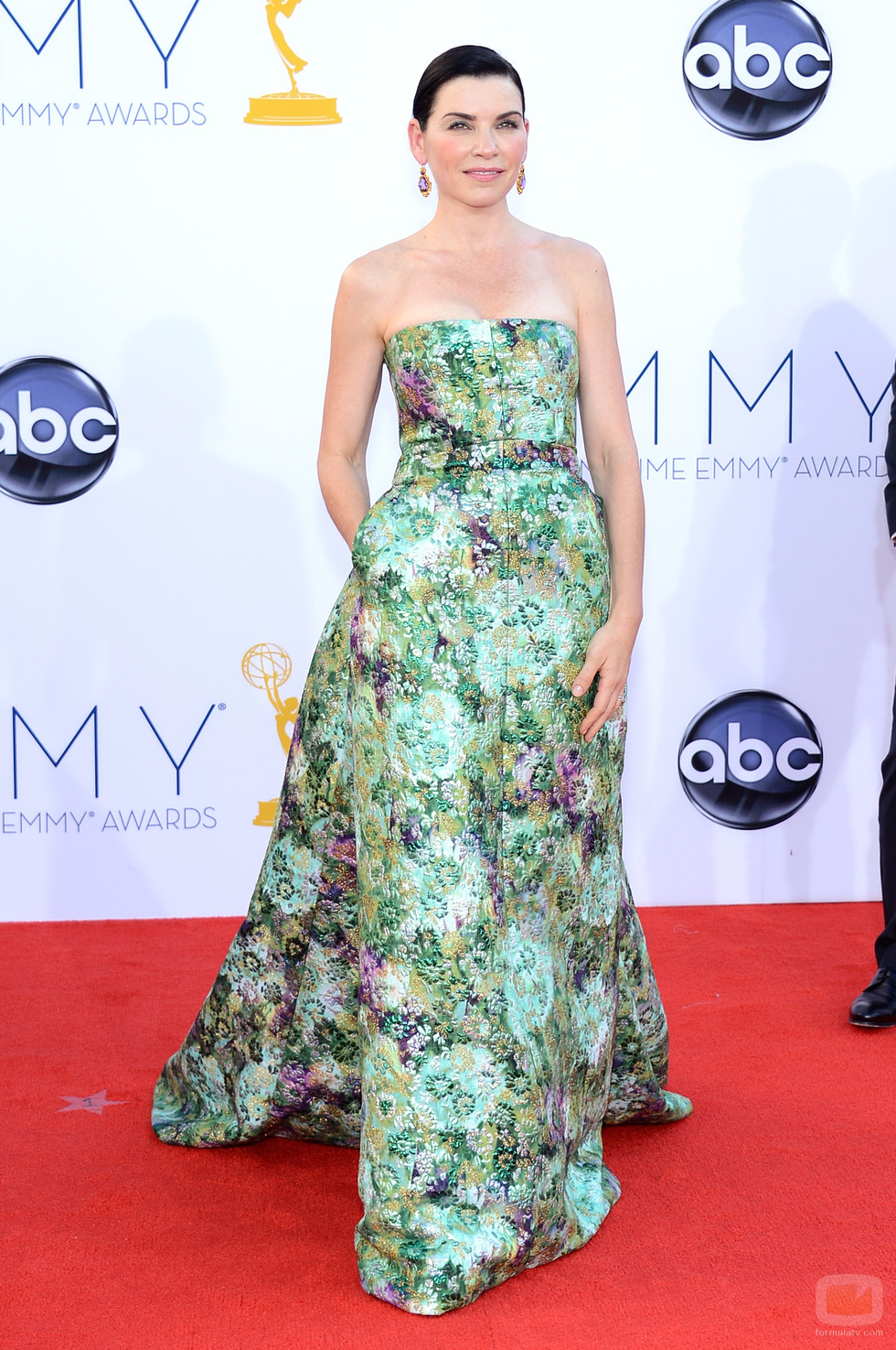Julianna Marguiles - 2012 Emmy Awards, Red Carpet Looks