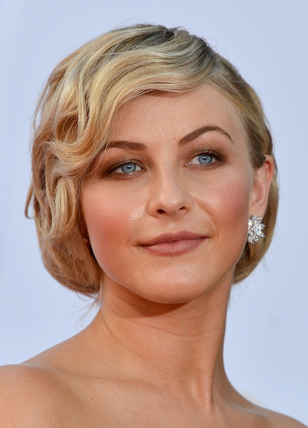 Julianne Hough makeup & hair - 2012 Emmy Awards