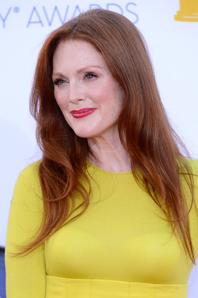Julianne Moore makeup & hair - 2012 Emmy Awards
