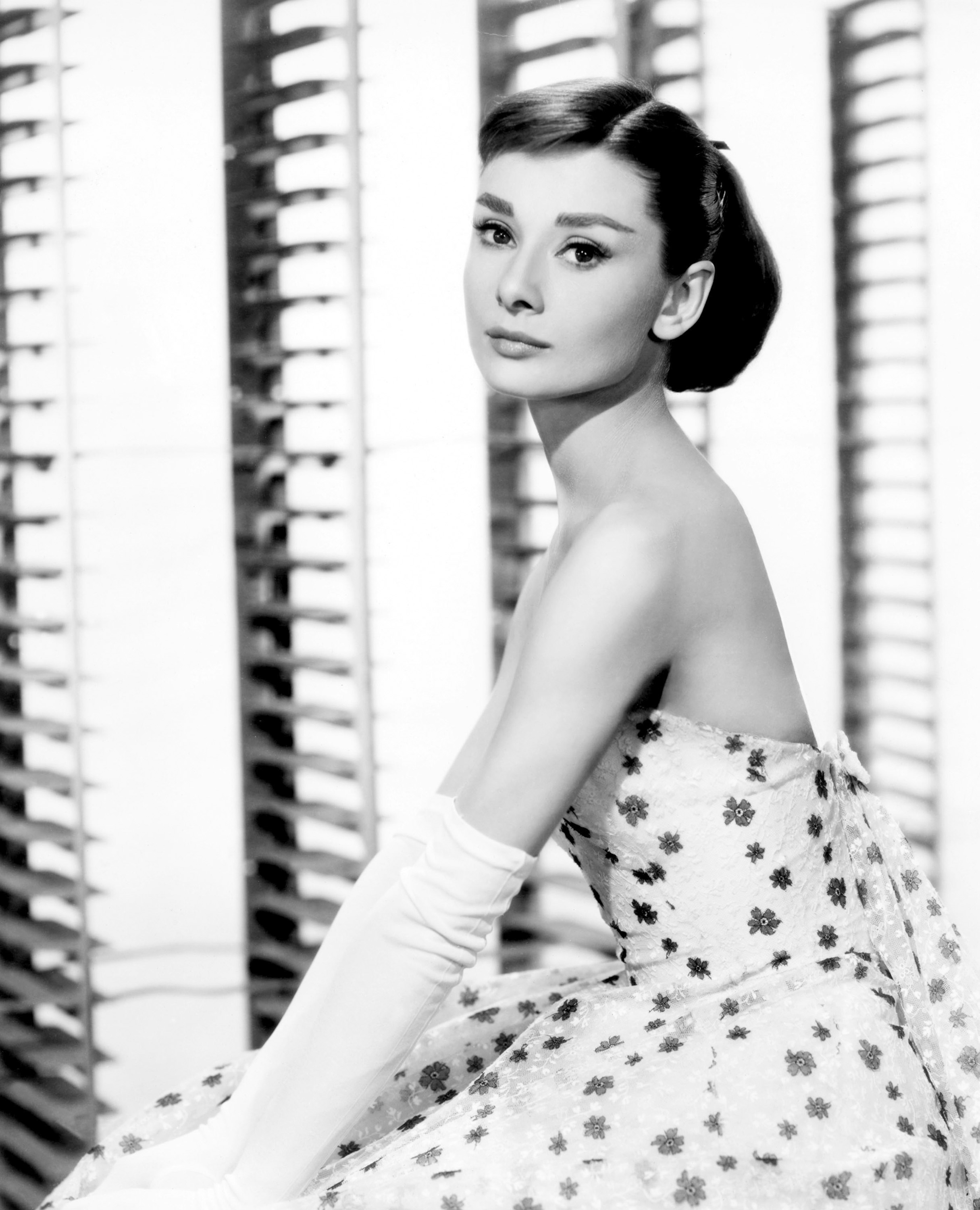 http://thefashiontag.files.wordpress.com/2012/10/audrey-hepburn-style-9.jpg