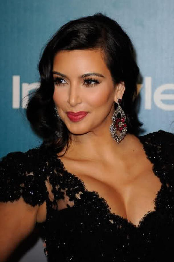 Kim Kardashian Retro Glam Makeup & Hair