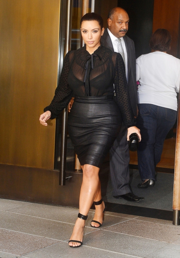 Kim Kardashian - Black Leather Skirt