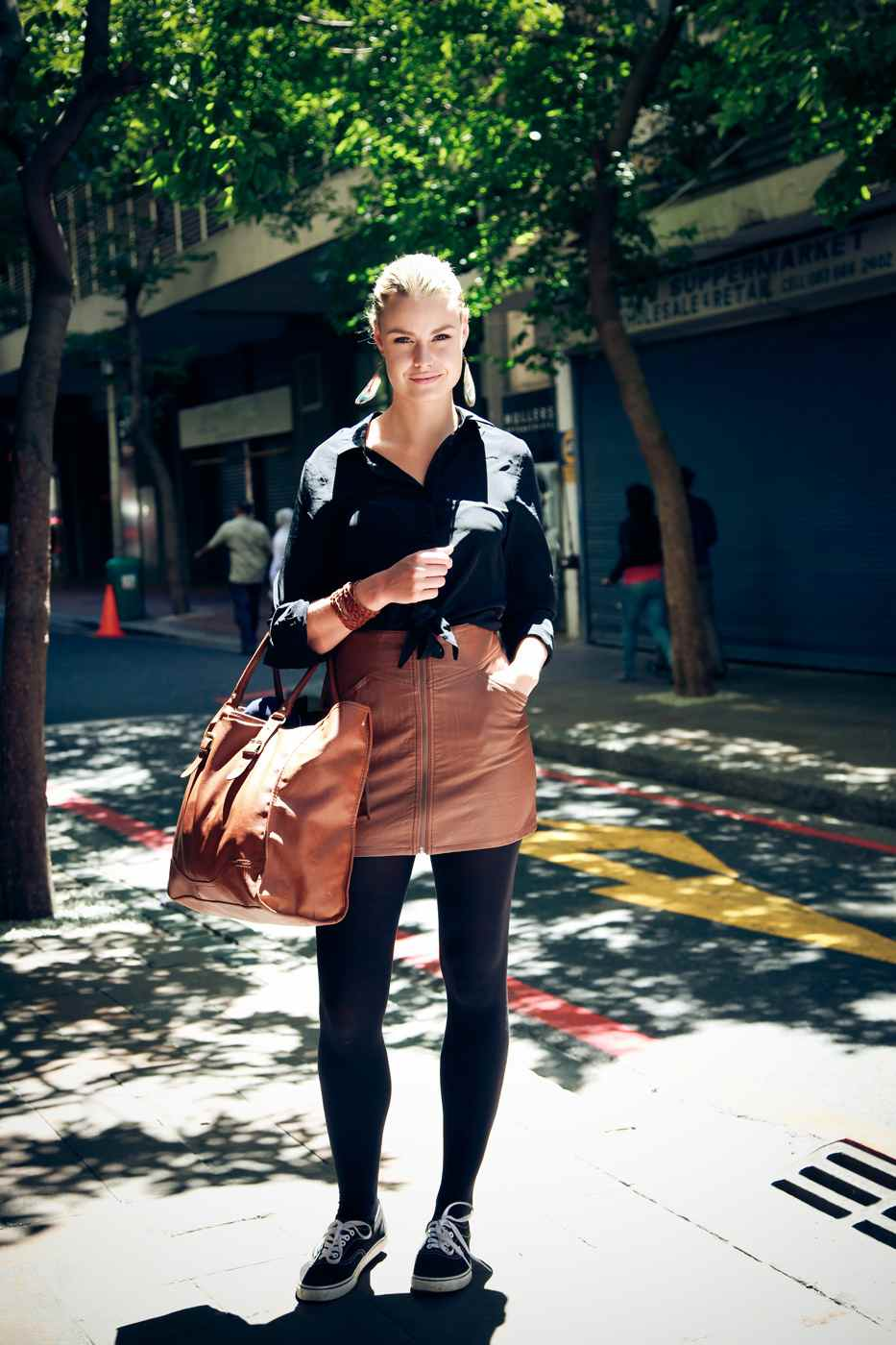 Leather trend - street style, brown leather skirt