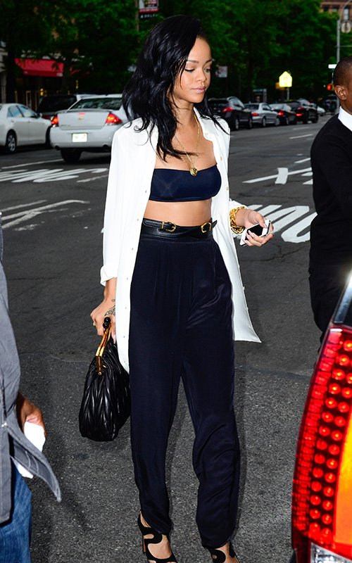 Rihanna 39 S Style A Close Up At Her Fashion Choices Looks