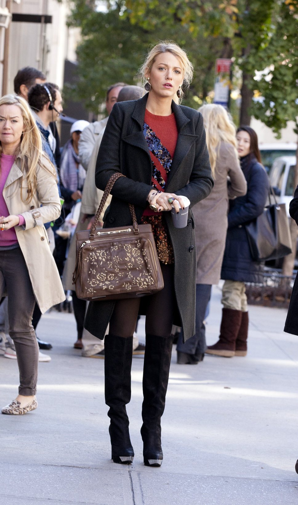 blake0lively coat Coat Styles For Winter 2013! What To Wear?