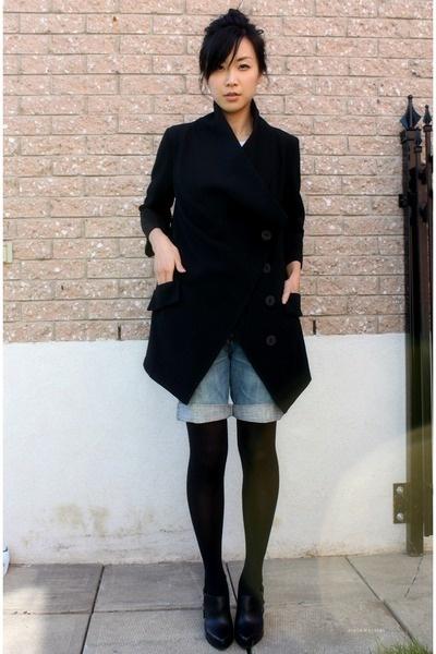denim shorts black tights Trend Alert    Denim Cutoff Shorts With Tights!