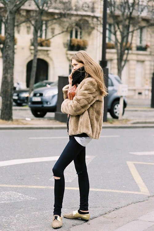 model fashion style street fur coat Models Off Duty Looks! Are Models The New Style Icons?