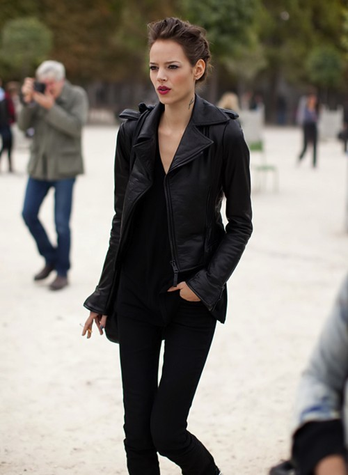 Street Style - Black Leather Jacket - Model Off Duty
