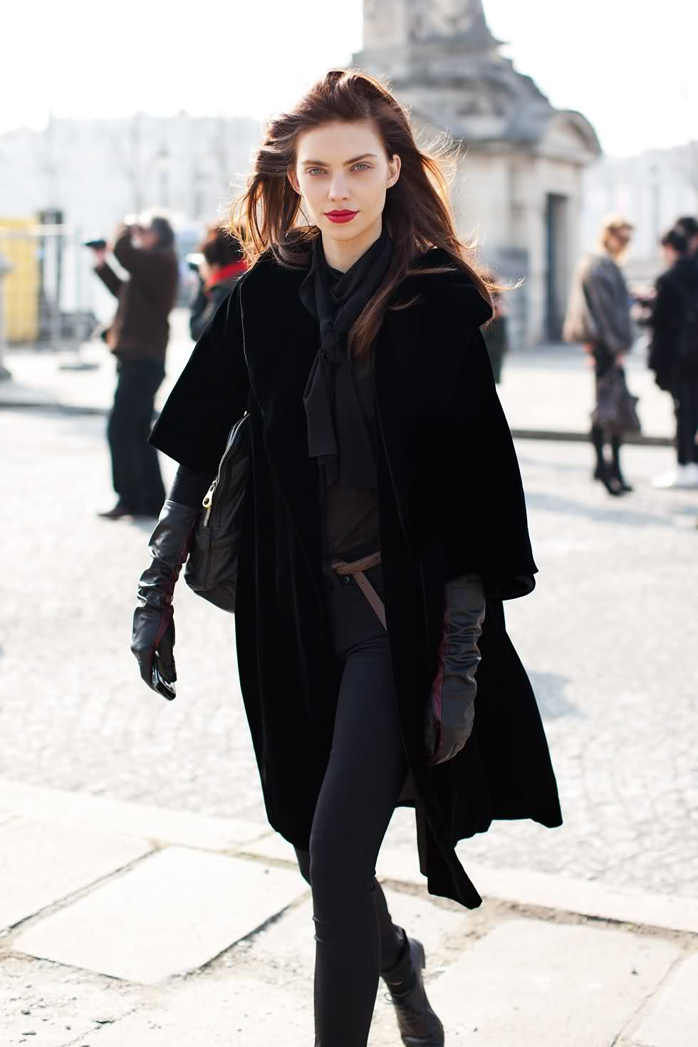 Look of the Day: All Black!