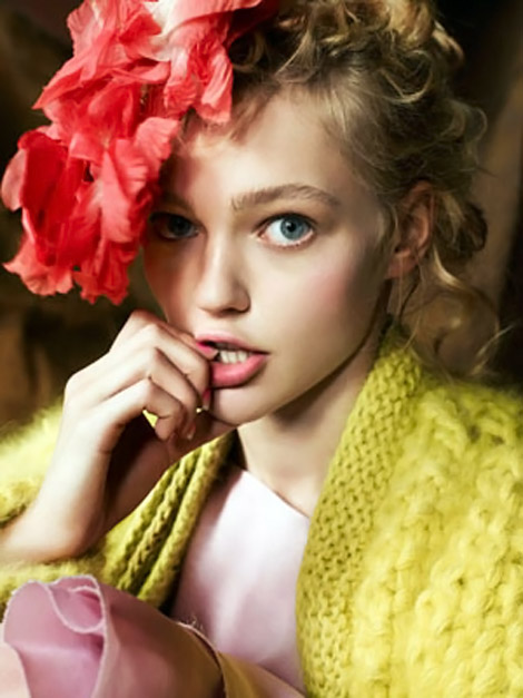 Sasha Pivovarova Flower Headpiece