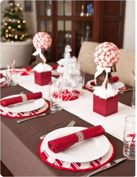 christmas-decorations-table