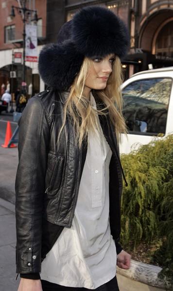 fur-hat-flops-style