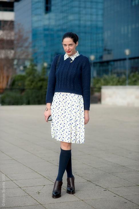 knee-socks-with-skirt-style
