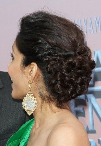 loose-bun-hairstyle-look-NYE