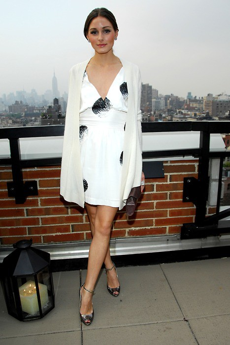 olivia-palermo=white-dress-sweater