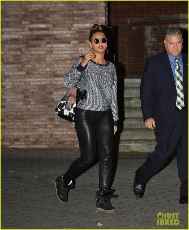 beyonce-leather-pants