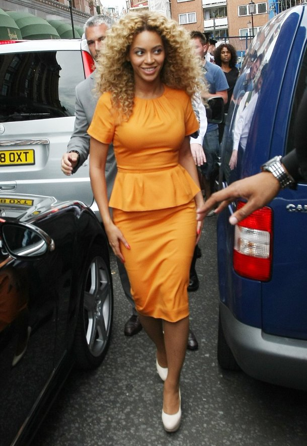 beyonce-orange-dress