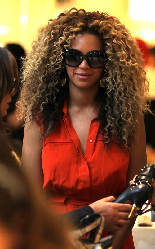 beyonce-super-curly-hair
