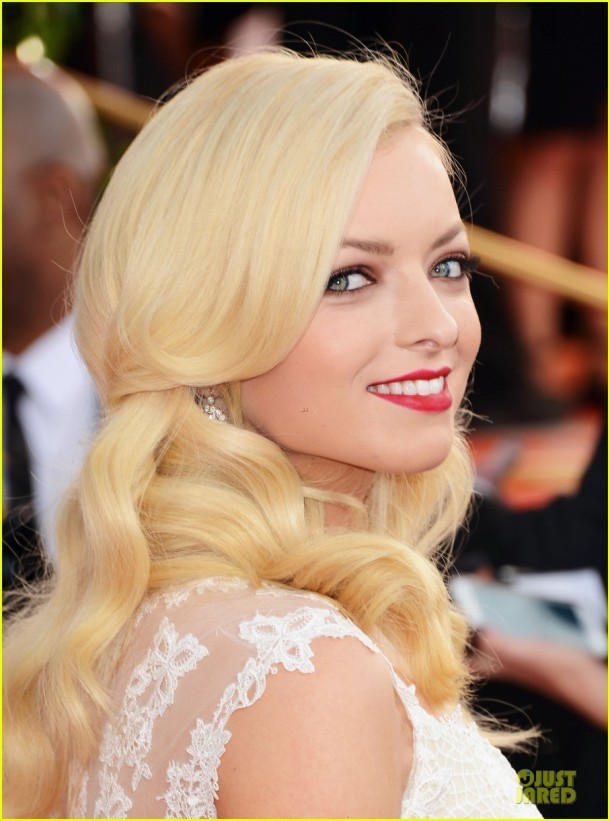 francesca-eastwood-golden-globes-2013-red-carpet-beauty-look