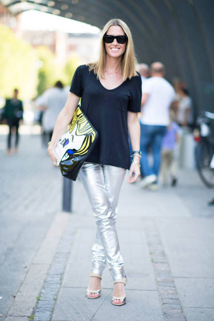 holographic-trousers-street-style