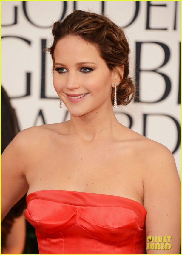 jennifer-lawrence-golden-globes-2013-hair-makeup