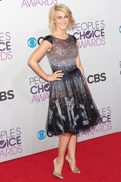 Julianne Hough at People's Choice Awards 2013, photo via Vogue