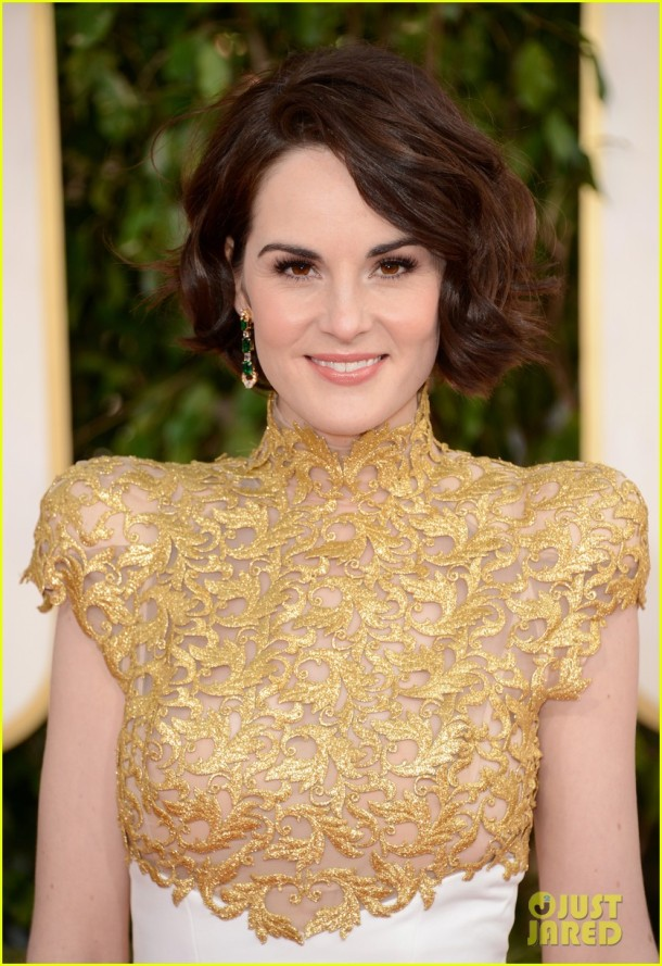 michelle-dockery-golden-globes-2013-red-carpet-makeup-hair