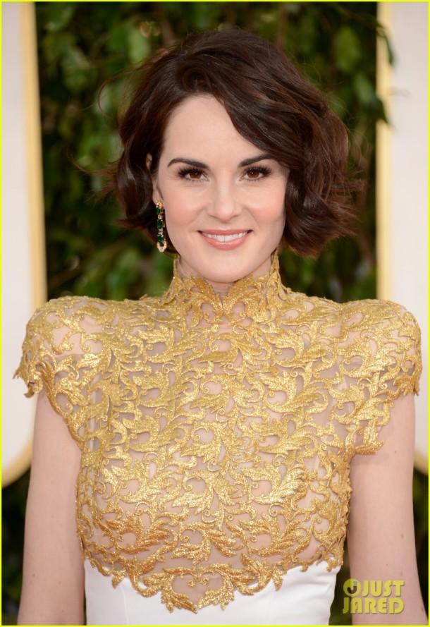 michelle-dockery-golden-globes-2013-red-carpet-makeup-hair
