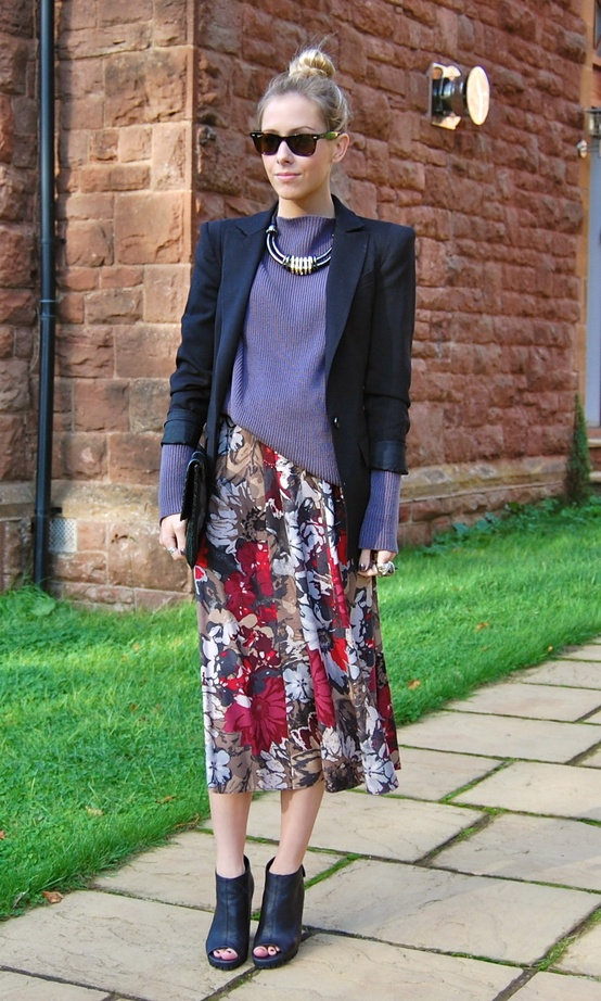 office-style-floral-skirt-blazer