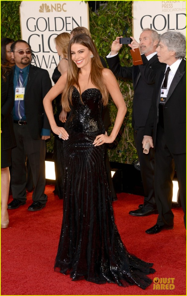 sofia-vergara-golden-globes-2013-red-carpet-dress
